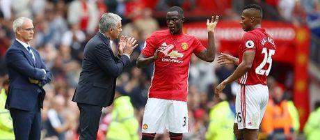 Scholes loai Mata khoi doi hinh ly tuong cua Man United mua nay - Anh 2