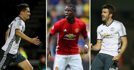 Scholes loai Mata khoi doi hinh ly tuong cua Man United mua nay - Anh 3