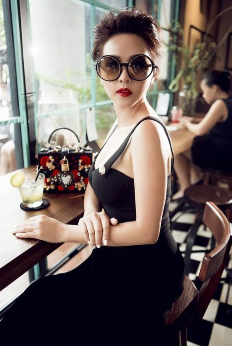 Choang vang ngam 'nui' hang hieu cua Hoa hau Thu Hoai - Anh 8