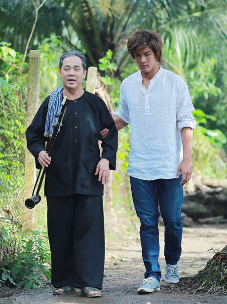 'Hau due' Thanh Long than phuc dien xuat cua Thanh Loc - Anh 4