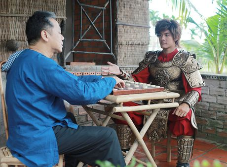 'Hau due' Thanh Long than phuc dien xuat cua Thanh Loc - Anh 5