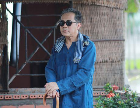 'Hau due' Thanh Long than phuc dien xuat cua Thanh Loc - Anh 8