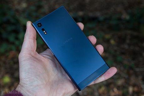 Sony de lo bo doi smartphone man hinh cuc net - Anh 2