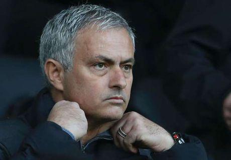 Mourinho khen ngoi su dung cam cua Phil Jones - Anh 1