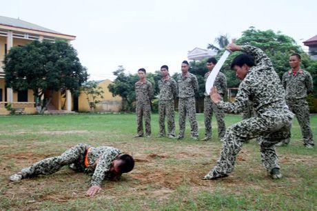 Than phuc dang cap khi cong, nganh cong cua dac cong Viet Nam - Anh 10
