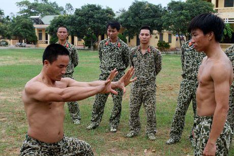 Than phuc dang cap khi cong, nganh cong cua dac cong Viet Nam - Anh 7