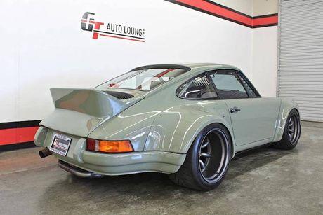 'Soi' Porsche 911 doi 1990 thua rieng gia 4,9 ty dong - Anh 4
