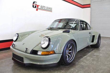 'Soi' Porsche 911 doi 1990 thua rieng gia 4,9 ty dong - Anh 9