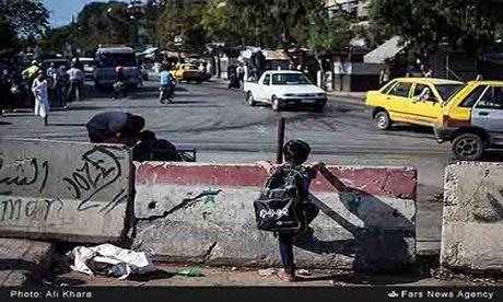 Cuoc song trong 'mua bom bao dan' cua cu dan Aleppo - Anh 2