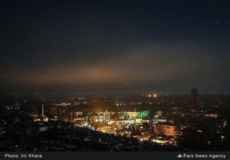 Cuoc song trong 'mua bom bao dan' cua cu dan Aleppo - Anh 3