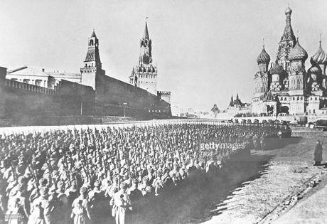 Hinh anh xuc dong ve cuoc duyet binh huyen thoai ngay 7/11/1941 - Anh 5