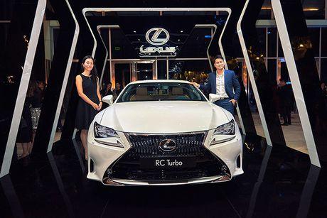 Lexus RC Turbo xuat hien tai Tuan le thoi trang 2016 - Anh 4
