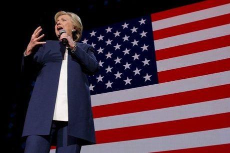 Hillary Clinton tung doc chieu cuoi truoc tran quyet dau - Anh 1