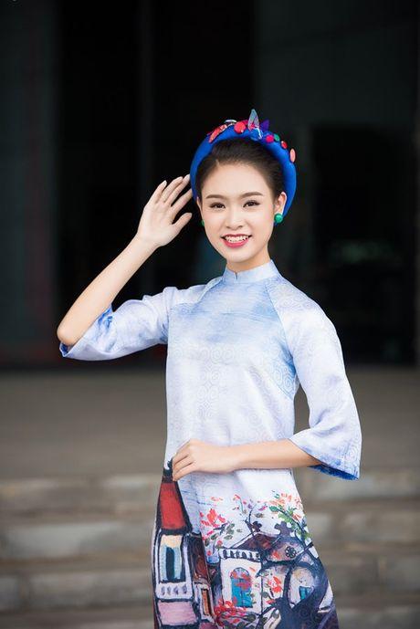 'Nguoi dep truyen thong' Ngoc Van mac ao dai pho co lam MC - Anh 1