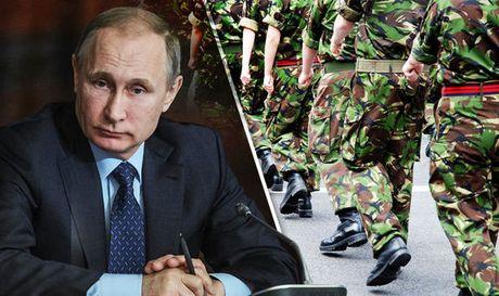 Lo xung dot voi Nga, NATO dat 300.000 quan trong tinh trang 'canh bao cao' - Anh 1