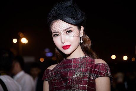 "Hoa hau Ngoc Duyen ""me hoac"" tham do thoi trang voi phong cach quy toc - Anh 6"