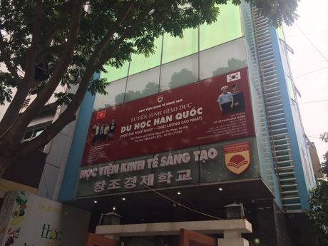 "Hieu truong Hoc vien Kinh te Sang tao len tieng sau clip ""chui"" hoc vien - Anh 1"