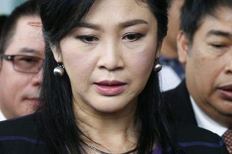 Cuu Thu tuong Thai Lan Yingluck Shinawatra di ban gao - Anh 2