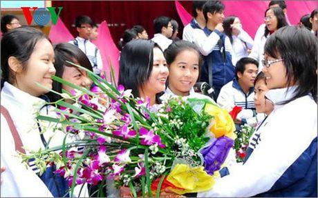 TP HCM: Khong huy dong phu huynh hoc sinh dong gop dip 20/11 - Anh 1