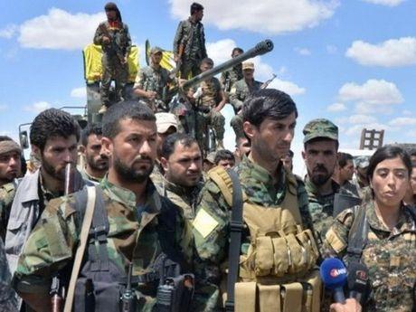 Syria: Luc luong SDF danh chiem Raqqa - Anh 1