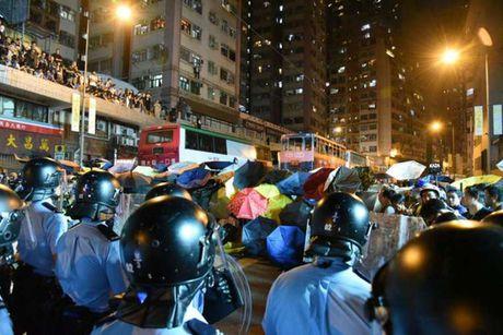 Phan doi Trung Quoc can thiep, Hong Kong dung do toi gan sang - Anh 3