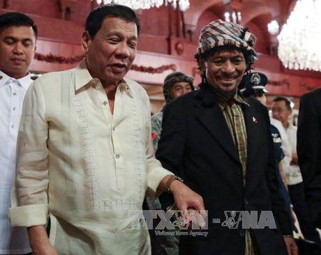 Thuong nghi si Philippines khoi kien Tong thong Duterte - Anh 1