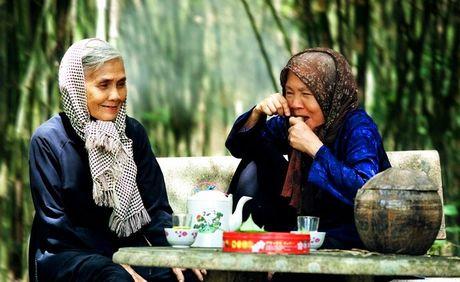 Hanh phuc cua 2 ba thong gia hon 10 nam song chung mot mai nha - Anh 1