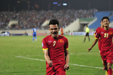 Tuyen Viet Nam mat them tru cot truoc tran tai dau voi Indonesia - Anh 1