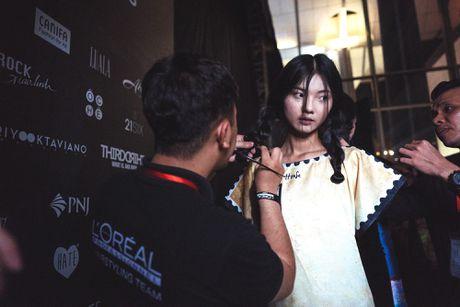 Hau truong khong hao nhoang cua Vietnam International Fashion Week - Anh 6