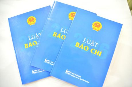 Luat Bao chi 2016 quy dinh chat che quyen va nghia vu Nha bao - Anh 2