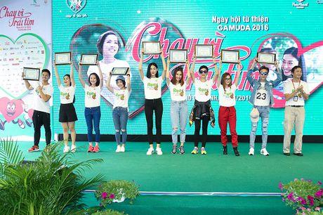 Ngoc Thanh Tam cung dan sao Viet xuong duong 'Chay vi trai tim' - Anh 1