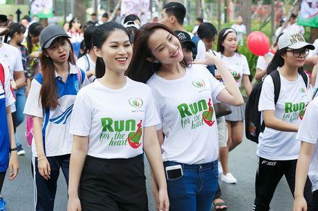 Ngoc Thanh Tam cung dan sao Viet xuong duong 'Chay vi trai tim' - Anh 5