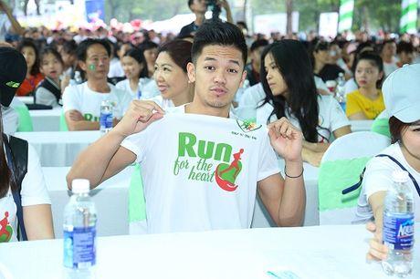 Ngoc Thanh Tam cung dan sao Viet xuong duong 'Chay vi trai tim' - Anh 7