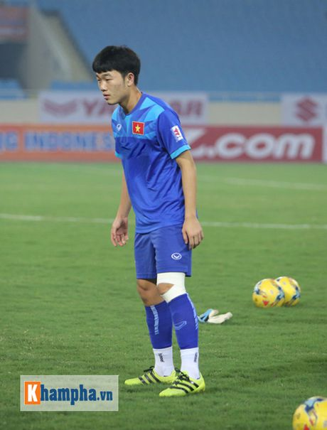 DT Viet Nam: Xuan Truong noi ve giac mo vo dich AFF Cup - Anh 1