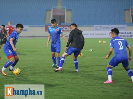 DT Viet Nam: Xuan Truong noi ve giac mo vo dich AFF Cup - Anh 6