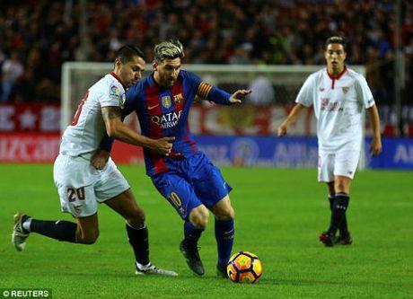 Goc chien thuat Sevilla - Barca: Hay can Messi neu co the - Anh 2