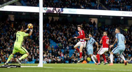 Man City mat ngoi dau: Pep Guardiola dang boi roi - Anh 1