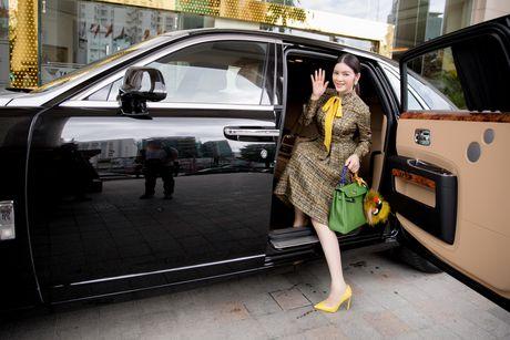 Ly Nha Ky dien ca 'cay' hang hieu sang chanh du su kien - Anh 8