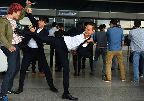 'Ong hoang phong ve' Thai Hoa ket hop cung Kim Ly trong 'Ve si Sai Gon' - Anh 2