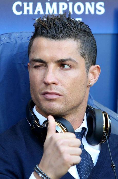 Ronaldo gia han hop dong khung voi Real - Anh 2