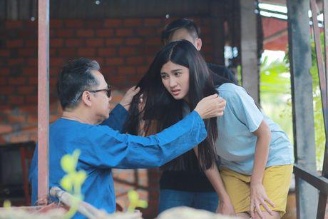 NSUT Thanh Loc gui tang 100% cat-se 'Luc Van Tien' cho nguoi dan vung lu - Anh 3