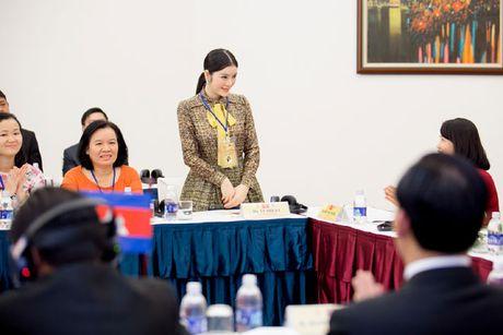 Ly Nha Ky bien doi nhu 'tac ke hoa' giua hai phong cach doi lap - Anh 9