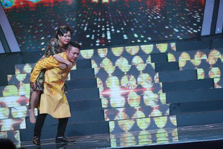 Viet Huong roi nuoc mat khi trai long ve cha ruot - Anh 2