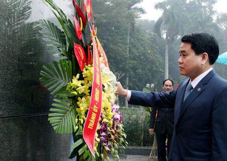 Ong Nguyen Duc Chung dat vong hoa tuong niem V.l Lenin - Anh 4