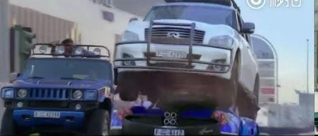 E-kip Thanh Long pha huy xe cua hoang tu Dubai va 70 sieu xe - Anh 7