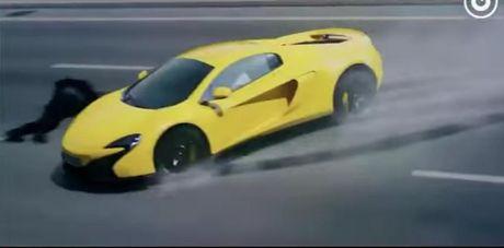 E-kip Thanh Long pha huy xe cua hoang tu Dubai va 70 sieu xe - Anh 8