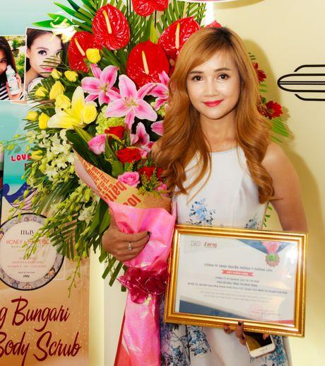 Chan dung chi gai doanh nhan xinh dep cua Nha Phuong - Anh 1