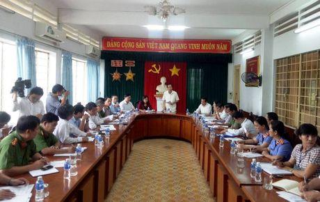Bo truong hop khan vu hang tram nguoi cai nghien tron trai - Anh 1