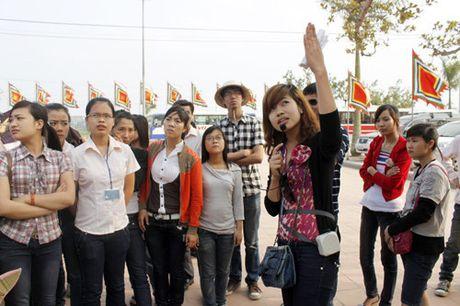Tro thanh Huong dan vien du lich: Chi can co bang trung cap chuyen nganh - Anh 1