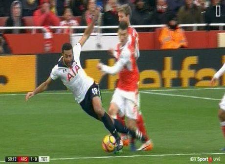 Wenger chi trich trong tai sau tran hoa that vong voi Tottenham - Anh 3